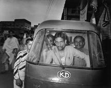 India. Benares. © Carl De Keyzer - Magnum 1986.
